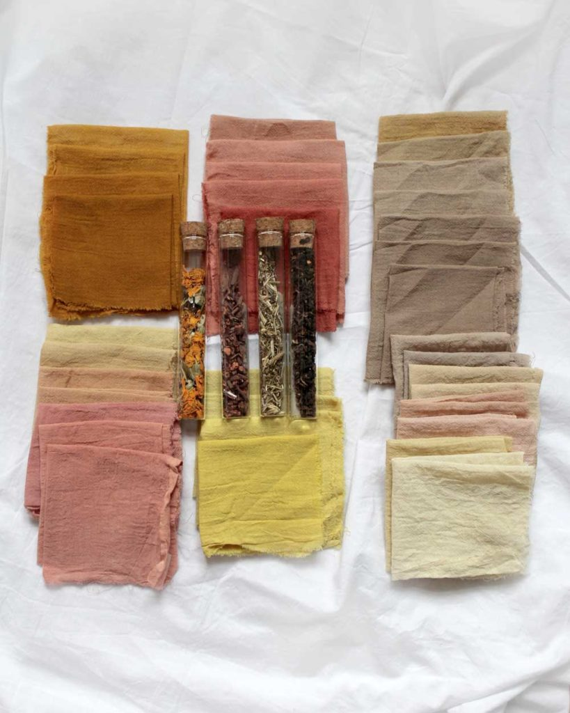 Baumwolle in Pflanzenfarben